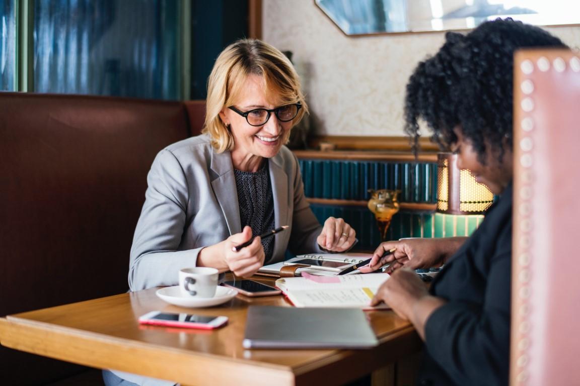 Staż pracy a wynagrodzenie – czy zawsze proporcjonalne?